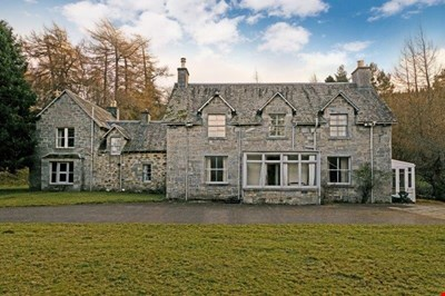 Lassintullich House, Kinloch Rannoch PH16 5QE