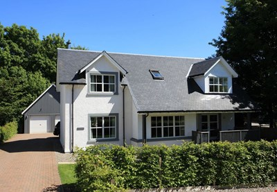 Tighnabruaich, Turretbank Road, Crieff PH7 4AR