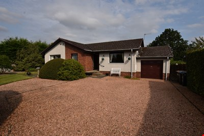 15 Kirkhill Drive, Luncarty PH1 3UR