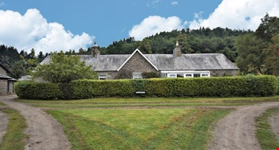 Lower Quoig, Ochtertyre, Crieff PH7 4JS