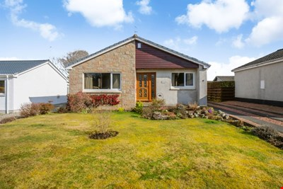 19 Strathview Place, Comrie PH6 2HG