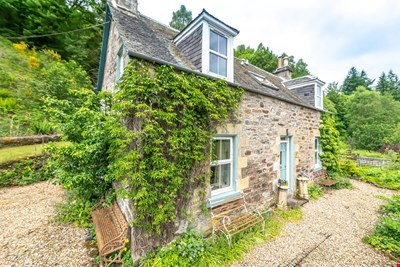 Woodinch Cottage, Woodinch, Dalguise PH8 0JU