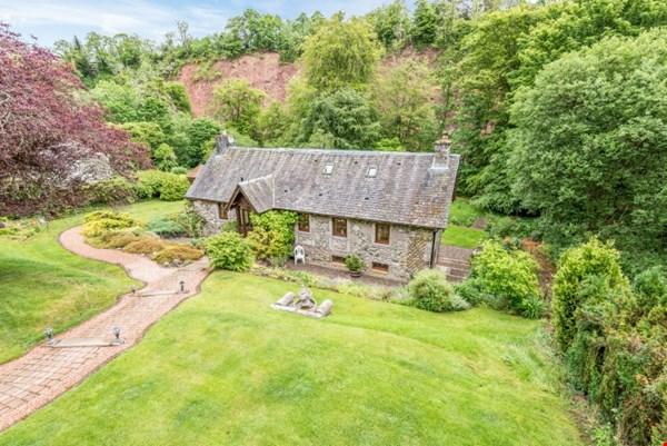 Woodend Cottage Almondbank