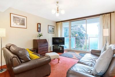 19 Potterhill, Perth PH2 7EA