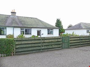 5 County Place, Almondbank PH1 3NN