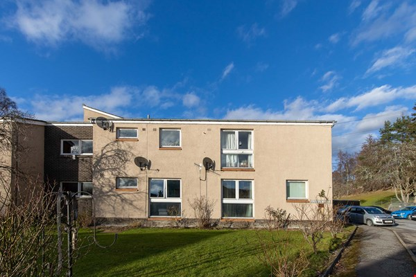 3 Kennedy Place Pitlochry