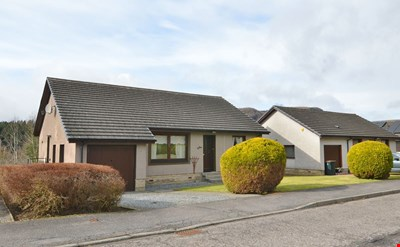 6 Broom Hill, Ballinluig PH9 0PN