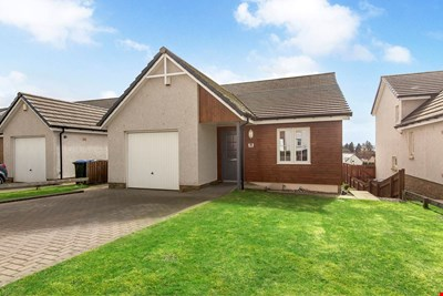 15 Hayfield Brae, Methven PH1 3HR