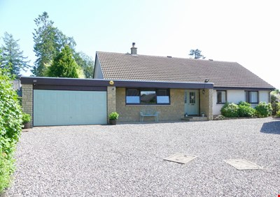 14 Hatton Place, Luncarty PH1 3UY