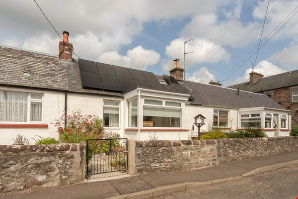 6 Airlie Place Alyth